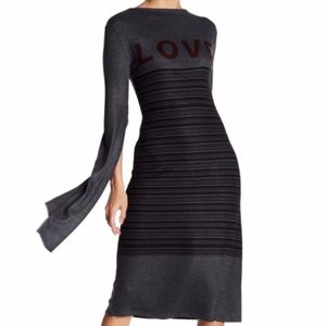NEW Go Couture V-Back Vented Sleeve Print Dress